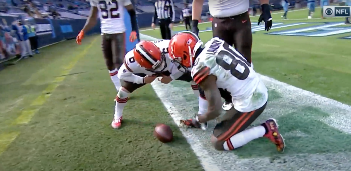 Baker Mayfield and Jarvis Landry vs Titans — 2020